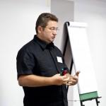 А.Литягин начинает семинар KPI-менеджмент для выпускников Калининградской Школы Бизнеса